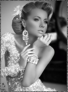 Photos from True-Brownii (true_brownii) on Myspace Black And White Gif, Black And White Pictures, Beautiful Gif, Beautiful Women, Jewel Images, Gif Animé, Fantasy Women, Glitz And Glam, Bridal