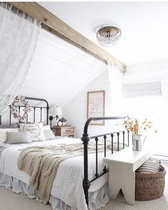 I love this bed frame! ❤️️