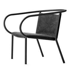 Afteroom loungestol från Menu, formgiven av Afteroom. En stilren, trebent lougestol med originell de...