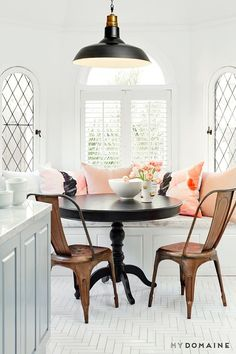 50 Stunning Breakfast Nook Ideas You Have to See Neon