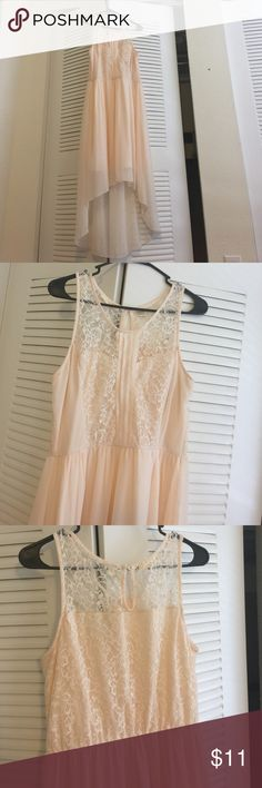 Lace Hi-Low dress Good condition. Sheer overlay, top lace. Very comfortable and pretty. Dresses High Low