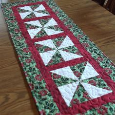 Quilted Christmas Tablerunner 2 by lmkquilts on Etsy, $35.00