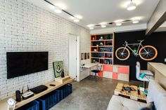 A bike like a trophy Home Office Decor, Home Decor, Bedroom Loft, Home Studio, Home Staging, Small Apartments, Indoor, Interior Design, Living Room