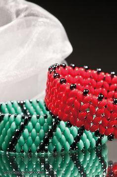 PRECIOSA Twin™ Pressed Beads