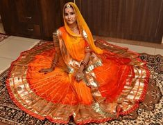 Rajasthani Bride, Rajasthani Dress, Half Saree Designs, Lehenga Designs, Indian Fashion Dresses, Indian Outfits, Indian Wedding Photos, Rajputi Dress, Cool Braid Hairstyles
