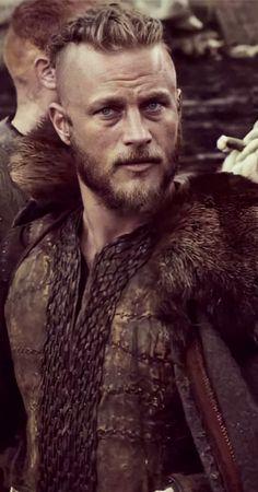Viking Men, Viking Beard, Viking Life, Ragnar Lothbrok Vikings, Vikings Tv, Arm Tattoo Viking, Vikings Travis Fimmel, Viking Quotes, Viking Bracelet