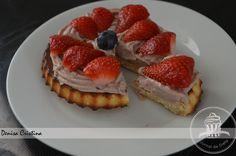 Chocolate strawberries tart Strawberry Tart, Diet Inspiration, Greek Yoghurt, Dukan Diet, Chocolate Filling, Chocolate Strawberries, Powdered Milk, Biscotti, Cheesecake