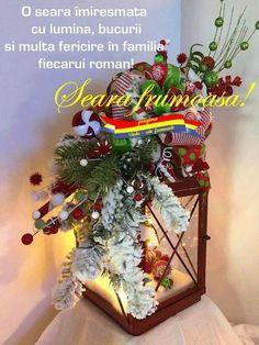 Traditional Christmas Dinner, Simple Christmas, Christmas Holidays, Christmas Wreaths, Christmas Ideas, Christmas Table Centerpieces, Christmas Lanterns, Beautiful Christmas Decorations, Lanterns Decor