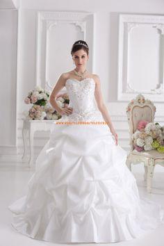 Günstiges Extravagantes Brautkleid 2013 aus Taft mit Stickerei