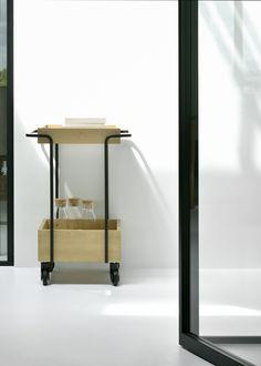 Bar cart By universo positivo, oak drinks trolley