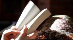 Manchmal ist es Zeit ein altes Buch zu schließen. Es bringt nichts, die Kapitel wieder und wieder zu lesen. Sie ändern sich nicht. Sie bleiben, wie sie einst geschrieben wurden. Manchmal ist es besser ein neues Buch zu öffnen, eine neue Geschichte zu schreiben, mit neuen Zeilen und neuer Hoffnung. - Unbekannt