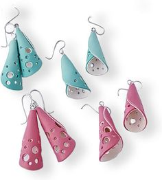 Australia's Kate Lee Foley gives us sweet innocence with pastel gradations on bell earrings. Flat two-sided cutouts with curved edges wrap around and overlap to form a soft cone shape. Circular holes cut out of the polymer let light through as [. Polymer Clay Projects, Polymer Clay Earrings, Leather Earrings, Leather Jewelry, Kate Lee, Cerámica Ideas, Bijoux Diy, Ceramic Jewelry, Clay Creations