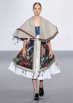 Dutch fashion designers Viktor & Rolf transformed broken picture frames filled with fabric into haute-couture gowns during their latest catwalk show, by taking them off a wall and draping them over models.