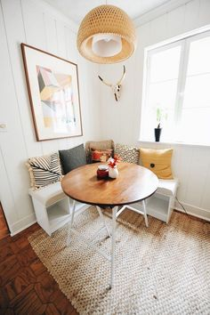 Small Kitchen Nook Table and Chairs. 20 Small Kitchen Nook Table and Chairs. 22 Breakfast Nook Designs for A Modern Kitchen and Cozy Corner Breakfast Nooks, Breakfast Nook Bench, Corner Nook, Breakfast Bars, Small Breakfast Table, Corner Bench Kitchen Table, Corner Space, Corner Storage, Breakfast Room Ideas
