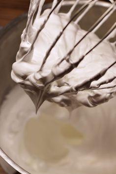 Švédský mandlový dort | Dort krále Oscara - Meg v kuchyni Icing, Desserts, Recipes, Tailgate Desserts, Deserts, Postres, Dessert, Ripped Recipes