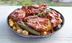 Peka oder Sač – eine geniale Grilltechnik vom Balkan - Kochgenossen Sausage, Beef, Food, Carrots, Crickets, Kochen, Food Food, Meal, Sausages