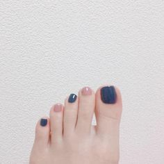 No automatic alt text available. Stylish Nails, Trendy Nails, Fingernails Painted, Korean Nail Art, Almond Acrylic Nails, Feet Nails, Disney Nails, Minimalist Nails, Toe Nail Designs