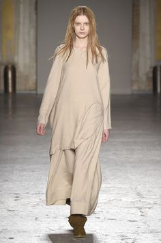 Untouched wools and languid shapes lend a earthy and pure aesthetic at #Uma Wang #MFW #AW15