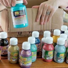 Cris Turek Unveils Paint and Tissue Package Source by The post Bottles, vials and bottles in Mural da Vila appeared first on Soap. Blue Carnival Glass, Diwali Decorations, Texture Painting, Soap Making, Ceramic Art, Decoupage, Mason Jars, Diy And Crafts, Clay