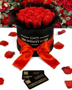 """THE INFINITY ROSES ROMANIA™ on Instagram: """"➖200RON➖"""" Carnations, 4th Of July Wreath, Hibiscus, Cherry Blossom, Infinity, Daisy, Roses, Box, Instagram"""