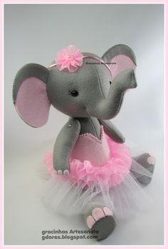 Felt elephant  handmade by Gracinhas Artesanato