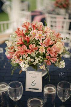 pink wedding flowers Pkl Fotografía  © Pankkara Larrea 2016 https://pklfotografia.com