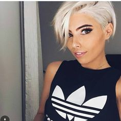 """Gefällt 12.9 Tsd. Mal, 131 Kommentare - Short Hairstyles Pixie Cut (@nothingbutpixies) auf Instagram: """"More and more white pixies @moigibs"""""""