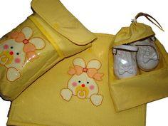 PROMOÇÃO - PEÇA UNICA!!! Conjunto para bolsa de passeio - Maternidade. Saquinho de roupas duplo + saquinho de sapato + porta fraldas POR APENAS R$ 75,00 - PRONTA ENTREGA. R$ 104,94
