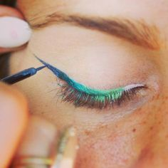 how to do gradient winged eyeliner // in LOVE