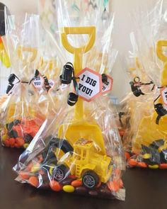 """Birthday Party Ideas Party favors for a construction-themed birthday party: Reese's Pieces, a toy mini construction vehicle, a yellow plastic shovel and an """"I Dig You! See more photos, décor and DIY project details from this party at . Construction Birthday Parties, 4th Birthday Parties, Diy Birthday, Construction Party Favors, Boys 2nd Birthday Party Ideas, Car Themed Birthday Party, Digger Birthday, Digger Party, 1st Birthday Party Favors"""