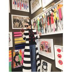 Always dress up for @drawbertson hanging @bergdorfs with my lips! Outfit is all ao soon to be paired with a DONALD painted olivia bag!