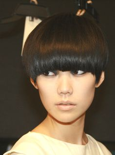 I wish I could have this hairstyle <3