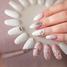 Ornaments on nails Bride Nails, Wedding Nails, Perfect Nails, Gorgeous Nails, Cute Nails, Pretty Nails, Rose Nail Art, Manicure E Pedicure, Creative Nails