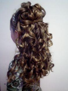 Flower girl hair by Rochelle Noone