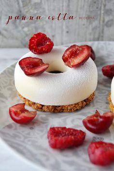 Unique Desserts, Gourmet Desserts, Mini Desserts, Delicious Desserts, Plated Desserts, Fruit Recipes, Sweet Recipes, Dessert Recipes, Panna Cotta