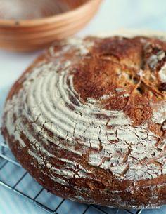 Smaczna Pyza: Domowe pieczywo - chleb wiejski, francuski - wypiekanie na śniadanie