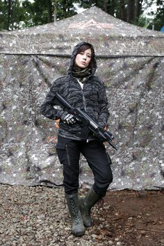Airsoft Player in Japan. Fashion Photo Woman. Alpha industries. She is a model in Japan.  #秋乃けい  #Military #girl #gun #combat