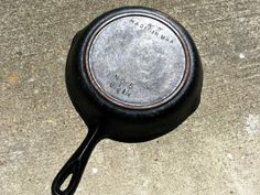 Re-seasoning cast iron - I Believe I Can Fry: Reconditioning & Re-Seasoning Cast Iron Cookware Dutch Oven Cooking, Cast Iron Cooking, Cast Iron Skillet, Enamel Cookware, Cast Iron Cookware, Reseason Cast Iron, Seasoning Cast Iron, Homemade Cleaning Products, Cleaning Tips