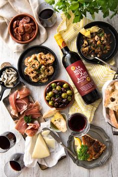 5 EASY SPANISH Tapas recipes! All the favorites from the tapas bar - including…