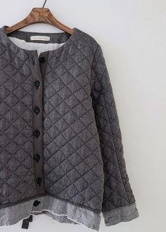 라르니에 정원 LARNIE Vintage&Zakka Clothing Boxes, Fall Winter, Autumn, Men Sweater, My Style, Sweaters, How To Wear, Korean, Clothes