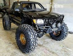 The Best Badass Rock Crawler Vehicles No 25 - Awesome Indoor & Outdoor Toyota Pickup 4x4, Toyota Trucks, Lifted Trucks, Cool Trucks, Pickup Trucks, Cool Cars, Truck Memes, Jeep Jk, Jeep Truck
