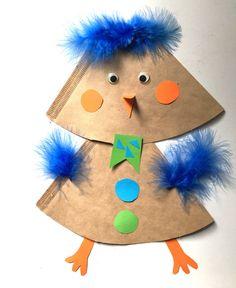 Bastelidee Filtertüte: ein Küken autour du tissu déco enfant paques bébé déco mariage diy et crochet Easter Crafts, Diy And Crafts, Crafts For Kids, Arts And Crafts, Diy For Kids, Halloween Party, Presents, Christmas Ornaments, Holiday Decor