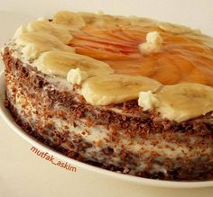 If you want to make a delicious cake with cream and banana covered with the fruits you want, you can benefit from the recipe. If you want to make a delicious cake with cream and banana covered with the fruits you want, you can benefit from the recipe. Easy Cake Recipes, Dessert Recipes, Desserts, Pastry Cake, Turkish Recipes, Yummy Cakes, Food And Drink, Banana, Fruit