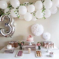 Birthday table decorations pastel 25 New ideas Third Birthday Girl, 3rd Birthday Parties, Baby Birthday, Birthday Ideas, Birthday Cake, Deco Baby Shower, Birthday Table Decorations, Festa Party, Baby Party