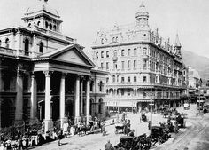 Cartwright's Corner on Adderley St,Capetown in South Africa in 🌍 Old Pictures, Old Photos, Vintage Photos, Historical Architecture, Back In Time, Historical Pictures, African History, Cape Town, Old Houses