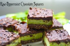 Raw Peppermint Chocolate Squares [Vegan] - One Green PlanetOne Green Planet Raw Vegan Desserts, Raw Vegan Recipes, Vegan Treats, Healthy Treats, Vegan Raw, Healthy Potluck, Healthy Bars, Vegan Foods, Vegan Life