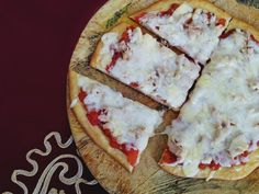 Low Carb Cheesy Pizza Crust With Almond Flour (Only 2g Carbs Per Slice!) #keto #diet #recipes