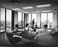 1901 Avenue of the Stars Office Building (Los Angeles, Calif.) : office interior - Julius Shulman