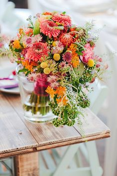 Bright summer bridal bouquet in yellow, pink, orange and coral! → You will discover 22 beautiful bridal bouquets on a wedding report day … Summer Wedding Bouquets, Flower Bouquet Wedding, Vintage Wedding Theme, Wedding Themes, Wedding Ideas, Cascade Design, Aisle Runner Wedding, Beautiful Flower Arrangements, Wedding Table Settings