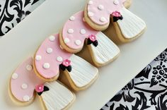 sugar cookies covered with fondant and royal icing Fondant Cookies, Galletas Cookies, Iced Cookies, Cute Cookies, Cookies Et Biscuits, Cupcake Cookies, Sugar Cookies, Pink Cookies, Pink Mushroom